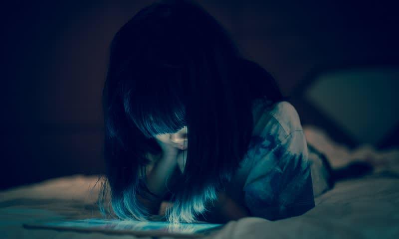 Perempuan Wajib Tahu Apa Saja Dampak Negatif Eksis Di Sosial Media
